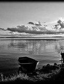 35   Лодка У Берега